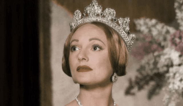 The 11 Best TV Shows & Movies About Queen Victoria 7