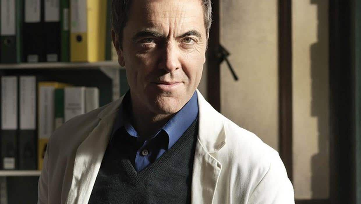 40+ of the Best British TV Medical Shows 16